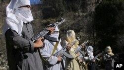 افغانستان: مناطق قبایلی پاکستان پناهگاه امن جنگجویان طالب است.