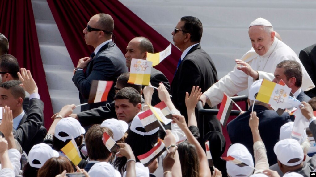 Papa Françesku mban meshë në Egjipt