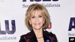 Jane Fonda saat menghadiri acara makan malam di Beverly Hills, California, 3 Desember 2017.