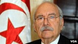 Ketua MPR Tunisia, Fouad Mebazaa, diambil sumpahnya sebagai Presiden sementara Tunisia.