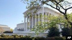 美国最高法院2020年4月6日(资料照片)。