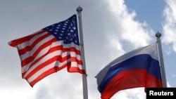 美国国旗和俄罗斯国旗