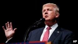 Trump desharía años de trabajo y millones de dólares invertidos en estrategas republicanos para ampliar su base de votantes.