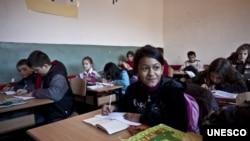 Escola, Kosovo (foto de arquivo)