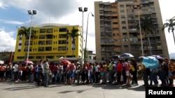 Estados Unidos sigue llamando a respetar la voluntad del pueblo, el imperio de la ley, la separación de los poderes en Venezuela.