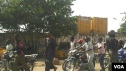 Police check point near Government House in Kano, Nigeria (Isiyaku Ahmed/VOA)