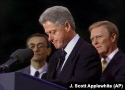 Bill Klinton 1998-yilda Vakillar palatasida impichment qilingan, Senatda oqlangan
