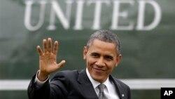 13일 미국 노스캐롤라이나주에서 경제 정책에 관해 연설한 후 백악관으로 돌아온 바락 오바마 미국 대통령.