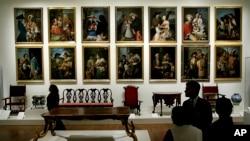 En la imagen, varias pinturas de Miguel Cabrera expuestas en 2006 en el Museo de Arte de Filadelfia.