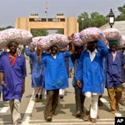 بھارت کو ایم ایف این کا درجہ دینے کے موقف پر قائم ہیں