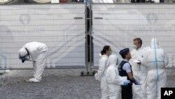 Forenzičari ispituju mesto pucnjave u jevrejskom muzeju u Briselu