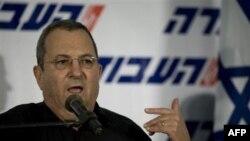 Bộ trưởng Quốc phòng Ehud Barak của Israel tố giác Syria dàn dựng vụ biểu tình để làm thế giới bớt quan tâm đến chuyện Syria đang trấn áp người biểu tình trong nước