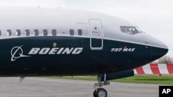 El acuerdo incluye dos aviones 747-800 y el costo de modificar las aeronaves comerciales con el equipo necesario para el presidente.