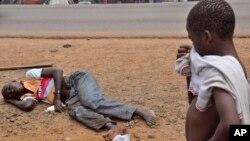 Les Libériens, qui en sont réduits à mourir en plein air, ont bien accueilli l'annonce du déploiement de 3.000 militaires américains dans leur pays