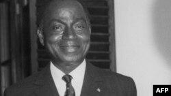 Julius Nyerere .