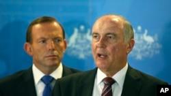 Wakil Perdana Menteri Australia Warren Truss (kanan) bersama PM Tony Abbott. (Foto: Dok)