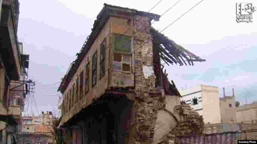 Pasar kuno di Homs hancur karena serangan rezim Suriah (5/1). (Lens Young Homsi)