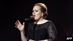 Albumi 21 i këngëtares Adele më i shituri në vitin 2011