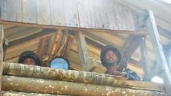 ဘူးသီးေတာင္ လ၀က အရာရွိ ၃ ဦး ဖမ္းဆီးခံရ