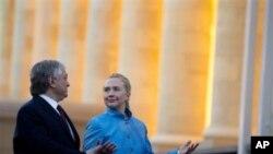 Ermenistan Dışişleri Bakanı Eduard Nalbandyan ve ABD Dışişleri Bakanı Hillary Clinton