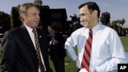 Конгрессмен--республиканец Даррелл Исса, справа (архивное фото)