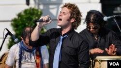 Cabas fue uno de los invitados en la celebración del Mes de la Herencia Hispana en la Casa Blanca en octubre 9, 2008.