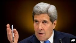 جان کری وزیر خارجه ایالات متحده در نشست سنا - ۲۰ اسفند ۱۳۹۳
