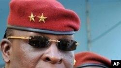 Le président de la transition guinéenne, le général Sékouba Konaté