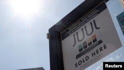 Archivo - Lugar de venta de productos Juul en Los Ángeles, California. 17 septiembre, 2019.