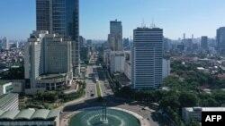 Suasana kota Jakarta di sekitar Bundaran Hotel Indonesia, Jakarta Pusat, 24 Mei 2020. (Foto: dok).