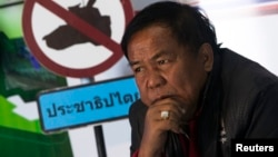 Kwanchai Praipana, pemimpin gerakan 'Kaos Merah' ditembak dua kali oleh para penyerang tak dikenal di Thailand Utara hari Rabu 22/1 (foto: dok).
