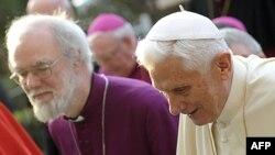 Архиєпископ Кентерберійський Рован Вільямс і Папа Римський Бенедикт XVI у Римі 10 березня 2012р.