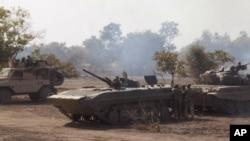 Une attaque de l'armée nigériane contre des extrémistes islamiques dans la forêt de Sambisa, au Nigeria, 28 avril 2015.