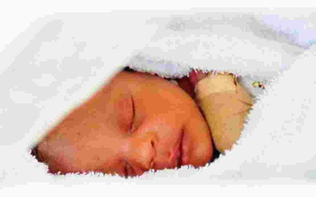 Ocho días después de la tragedia, todavía se encontraban personas bajo los escombros. Elizabeth tenía 18 días de nacida.