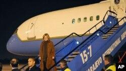 ລັດຖະມົນຕີ ການຕ່າງປະເທດ ສະຫະລັດ ທ່ານນາງ Hillary Clinton ຢ້ຽມຢາມນະຄອນຫຼວງ ຊາຣາເຢໂວ ຂອງບອສເນຍ (11 ຕຸລາ 2010)