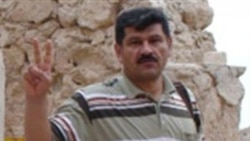 بهمن احمدی امویی روزنامه منتقد از زندان اوین به رجایی شهر منتقل شد
