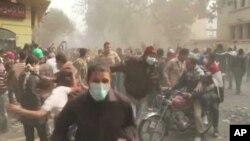 Αίγυπτος: παραμένουν οι διαδηλωτές στην πλατεία Ταχρίρ