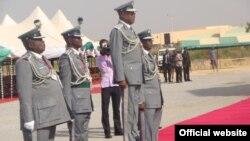 Shugaban Hukumar Kwastam ta Najeriya, Abdullahi Dikko Inde, tare da wasu manyan jami'an hukumar