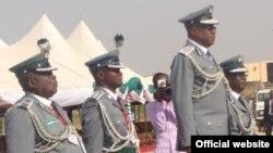 Shugaban Hukumar Kwastam ta Najeriya, Abdullahi Dikko Inde, tare da wasu manyan jami'an hukumar (Nigerian customs and excise boss, Abdullahi Dikko Inde)