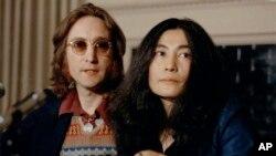 عکسی از جان لنون و همسرش در سال ۱۹۷۳