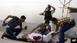 2013年9月19日埃及科尔达萨村警长被打死,安全部队部赶到现场