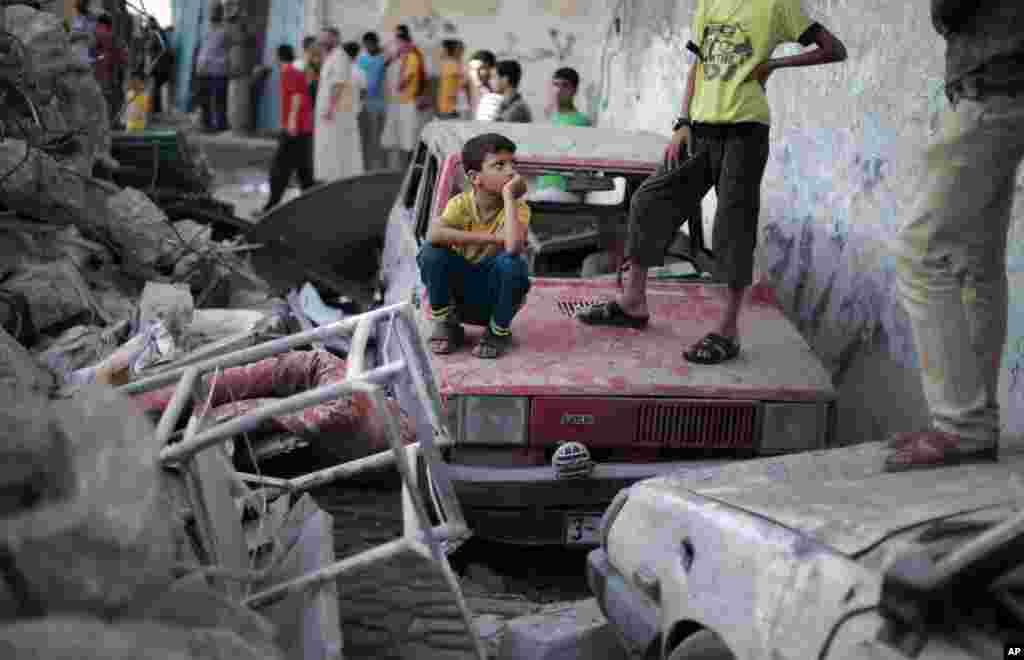 İsrail Rəfahdakı qaçqın düşərgəsini raket atəşinə tutub - 11 iyul, 2014