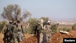 نیروهای شورشی مخالف دولت در جریان پیشروی به الباب علیه داعش - اکتبر ۲۰۱۶