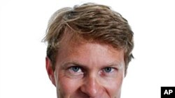 'The Guardian' newspaper's Moscow correspondent Luke Harding ( file photo)