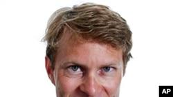 'The Guardian' newspaper's Moscow correspondent Luke Harding ( file photo)