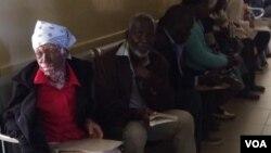 Abantu abafole eMpilo Hospital bemelele ukuncedwa ngamadokotela.