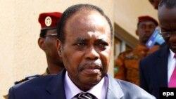 """Olenghankoy à Kodjo : """"Nous n'accepterons pas d'assassiner la Constitution de la RDC"""". L'opposant est joint de Bruxelles par Eddy Isango"""