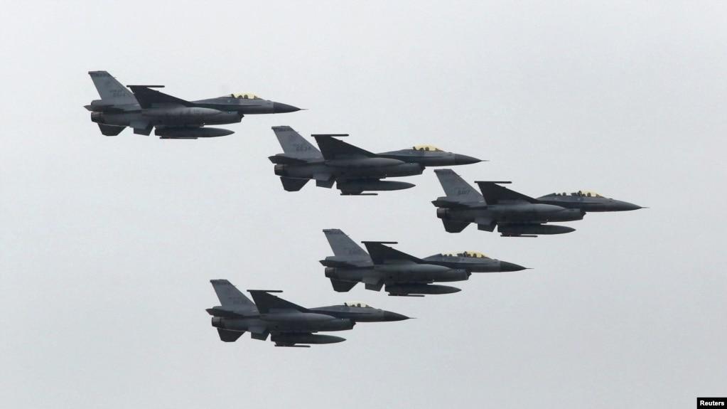 台湾空军F-16战机2015年7月4日在新竹参加汉光军演。