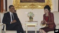 Dalam pembicaraan dengan Perdana Menteri Thailand Yingluck Shinawatra, Presiden Amerika President Barack Obama menegaskan lagi hubungan politik, ekonomi, dan keamanan yang erat antara kedua negara (foto, 18/11/2012)..