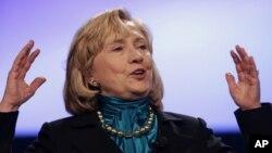 La ex secretaria de Estado, Hillary Clinton, lleva una ventaja importante entre los posibles candidatos demócratas a la presidencia.